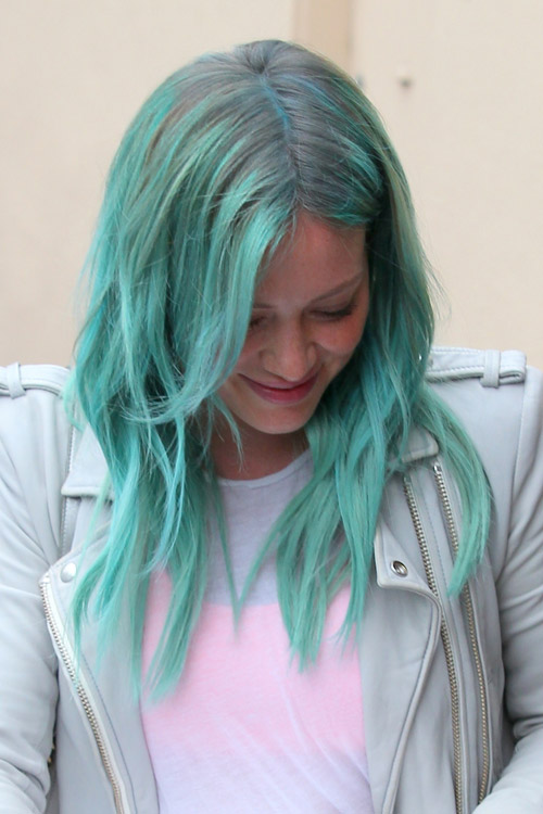 Hilary Duff Straight Green Dark Roots Overgrown Bangs