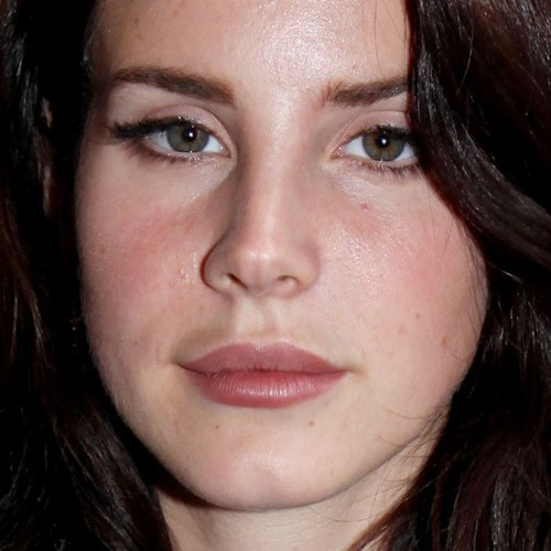 Lana Del Rey S Makeup Photos Amp Products Steal Her Style
