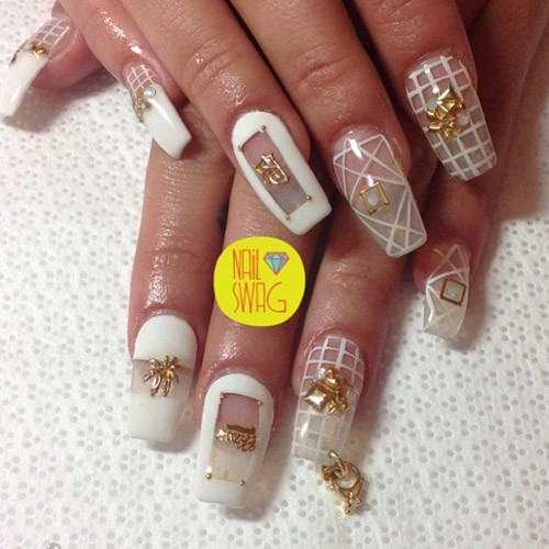 7 celebrity nail art photos with marijuana leaf steal her style lil debbie prinsesfo Image collections
