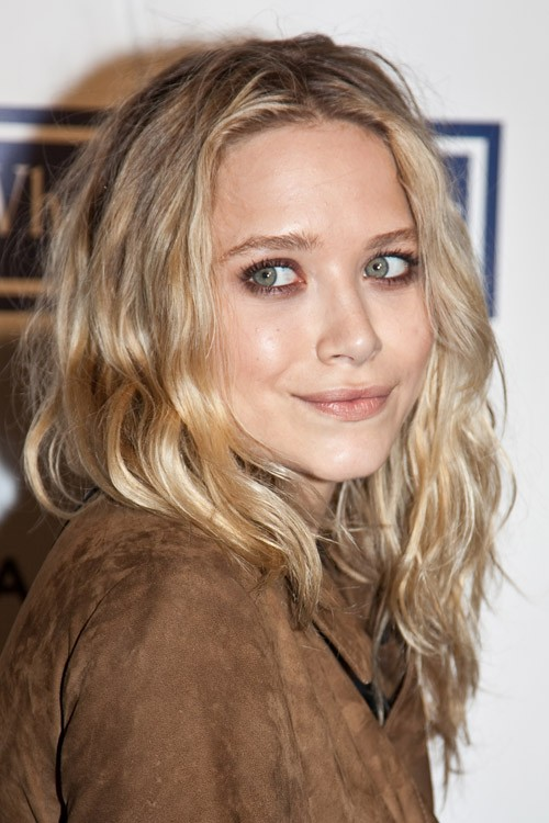 Mary Kate Olsen's Hairstyles & Hair Colors
