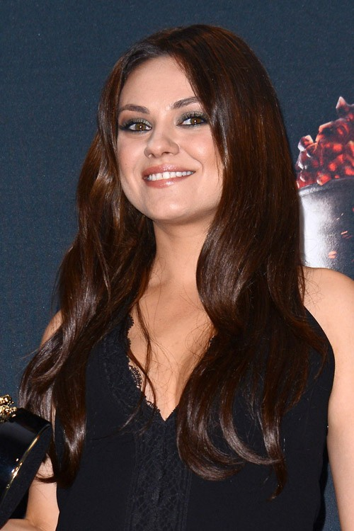 mila kunis hairstyles hair colors steal her style. Black Bedroom Furniture Sets. Home Design Ideas