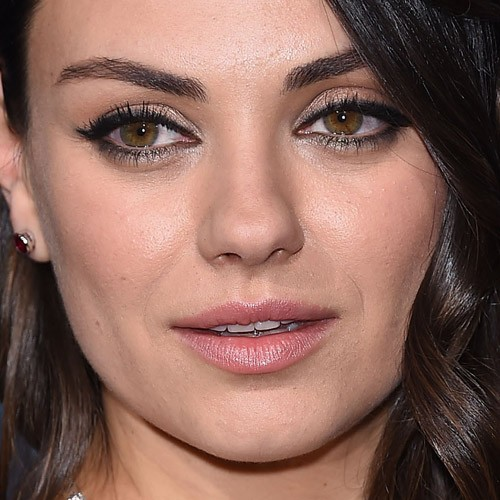 Mila Kunis Makeup Black Eyeshadow Bronze Eyeshadow