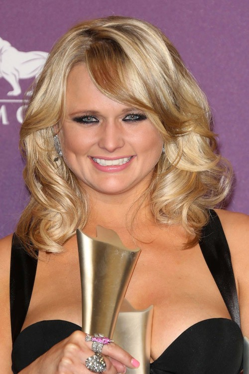 mixed curly hairstyles : Miranda Lambert Wavy Medium Brown Sideswept Bangs, Two-Tone Hairstyle ...