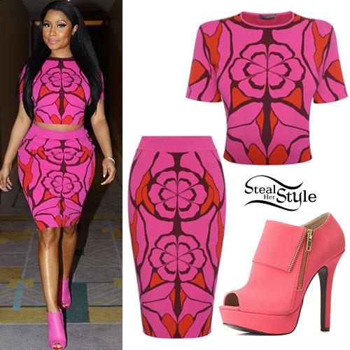 Nicki Minaj: Pink Crop Top & Skirt