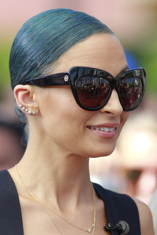 Nicole Richie S Hairstyles Amp Hair Colors Steal Her Style