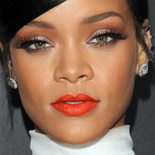 Rihanna Makeup: Black ... Rihanna Makeup