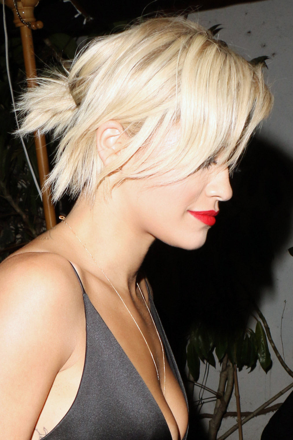 Rita Ora Straight Platinum Blonde Bob Choppy Bangs