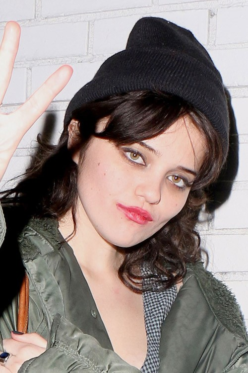 Sky Ferreira S Hairstyles Amp Hair Colors Steal Her Style