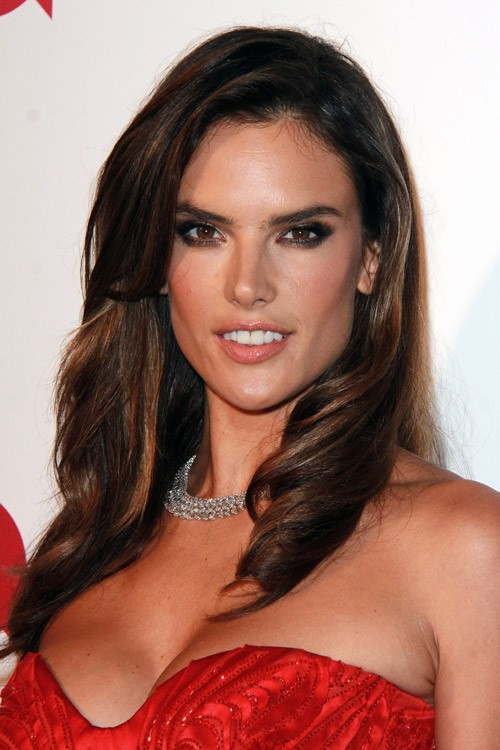 Alessandra Ambrosio's Hairstyles & Hair Colors | Steal Her Style