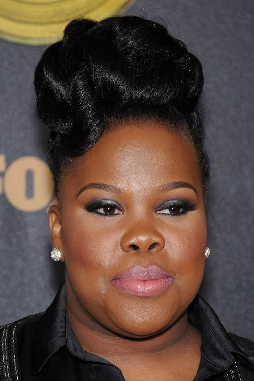 Amber Riley S Hairstyles Amp Hair Colors Steal Her Style