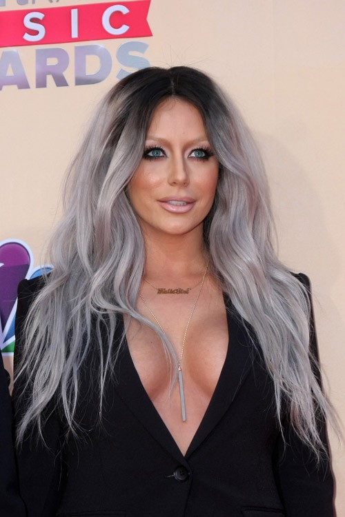 Aubrey O Day S Hairstyles Amp Hair Colors Steal Her Style