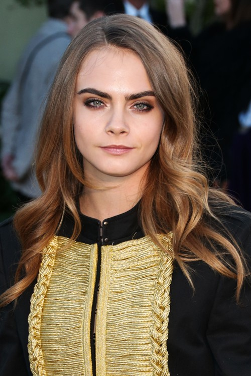 Cara Delevingne S Hairstyles Amp Hair Colors Steal Her