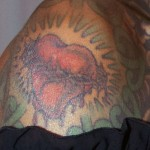debra-wilson-heart-shoulder-tattoo