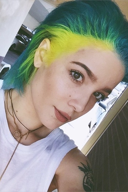 Halsey S Hairstyles Amp Hair Colors Steal Her Style Page 5