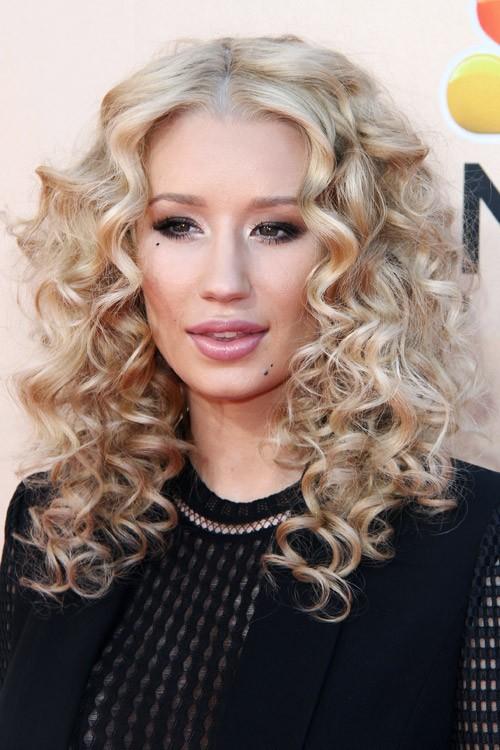 Iggy Azalea Curly Ash Blonde Pin Curls Hairstyle Steal