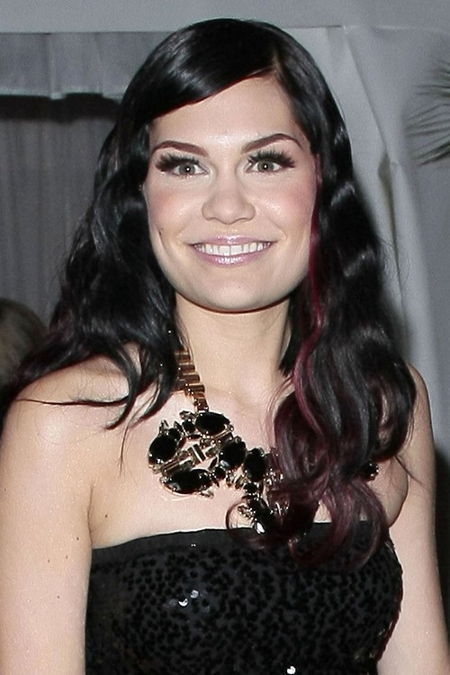 jessie j hair style 12 hairstyles with burgundy highlights highlights 5420 | jessie j hair 20 500x750