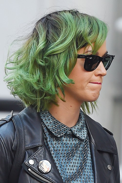 Katy Perry Wavy Green Bob Dark Roots Shaggy Bob