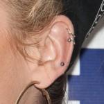 katy-tiz-cartilage-piercing