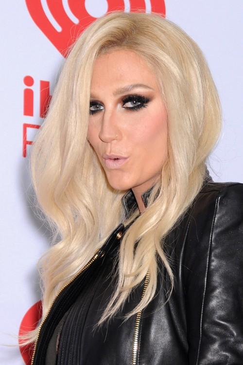 Kesha Wavy Platinum Blonde Hairstyle Steal Her Style