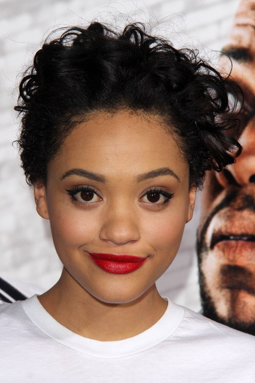 Kiersey Clemons Hairstyles Amp Hair Colors Steal Her Style
