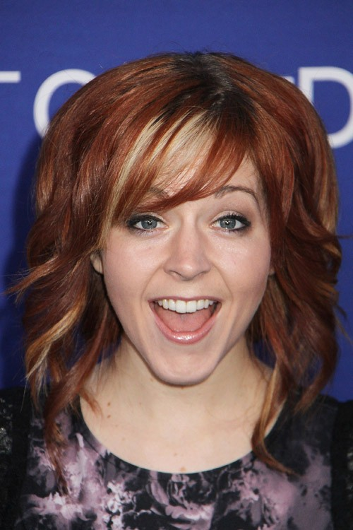 Lindsey Stirling S Hairstyles Amp Hair Colors Steal Her Style