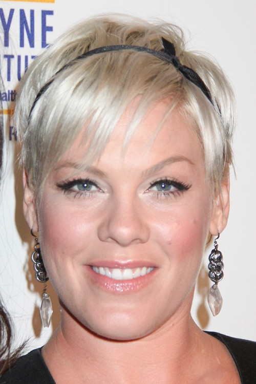 Phenomenal Pink39S Hairstyles Amp Hair Colors Steal Her Style Short Hairstyles Gunalazisus