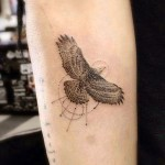 zoe-kravitz-eagle-arm-tattoo