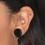 zoe-kravitz-ear-piercings-helix
