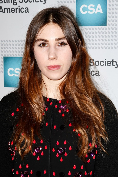Zosia Mamet S Hairstyles Amp Hair Colors Steal Her Style