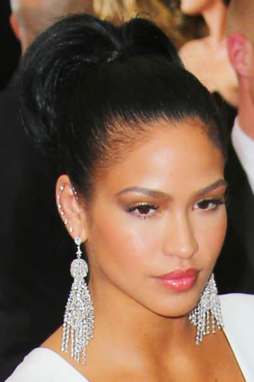 Cassie Ventura S Hairstyles Hair Colors Steal Her Style