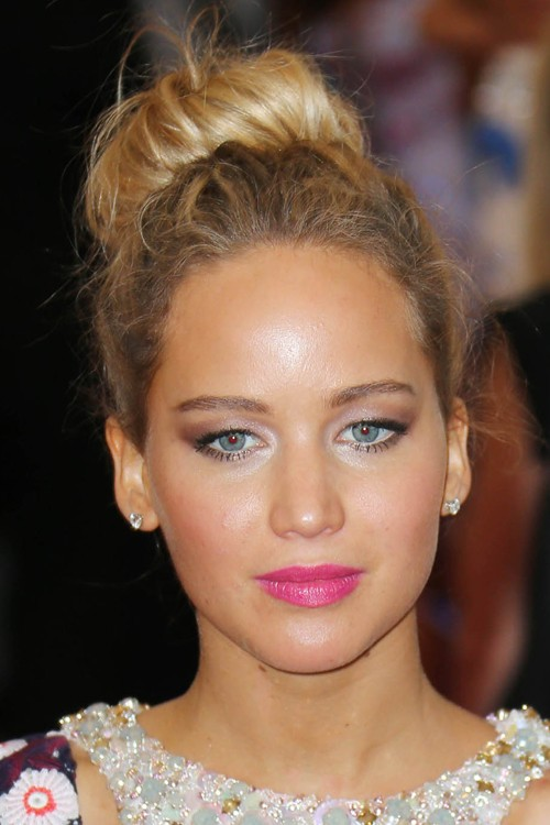 jennifer lawrences hairstyles amp hair colors steal her style