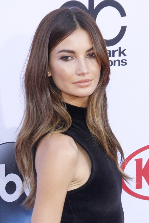 Lily Aldridge S Hairstyles Amp Hair Colors Steal Her Style