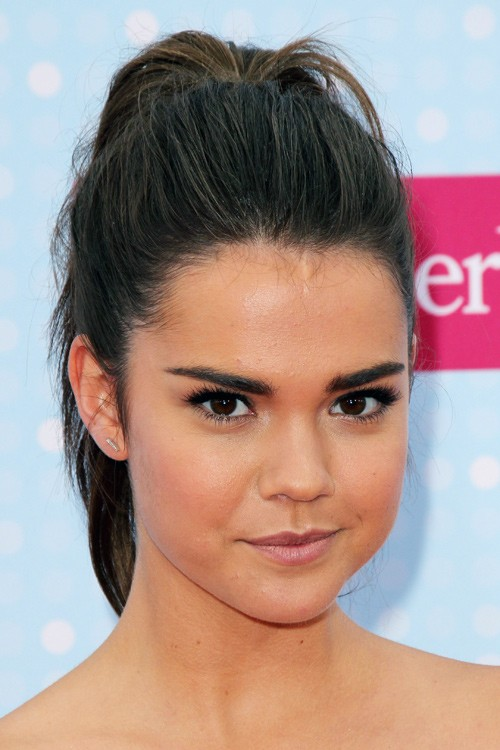 Maia Mitchell S Hairstyles Amp Hair Colors Steal Her Style
