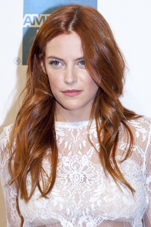 Riley Keough S Hairstyles Amp Hair Colors Steal Her Style
