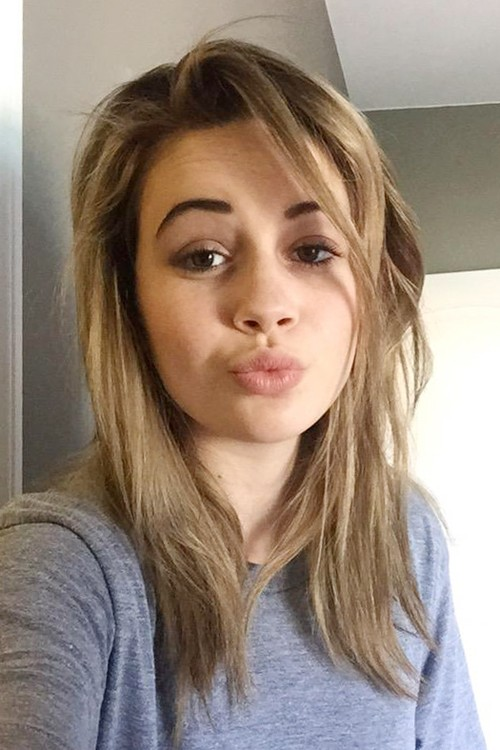 Bea Miller S Hairstyles Amp Hair Colors Steal Her Style