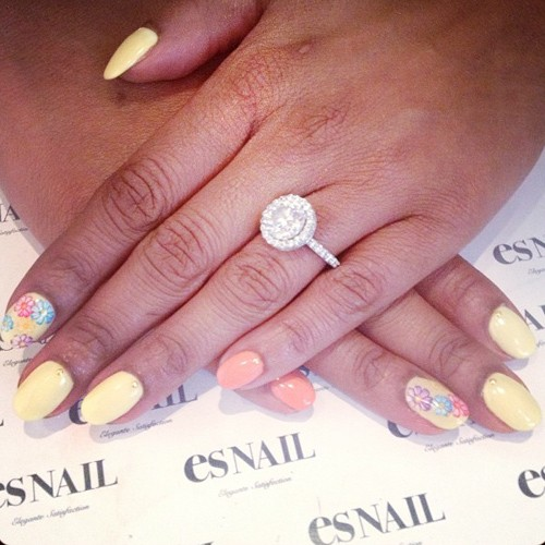 Brandy Norwood Coral Light Yellow Flowers Studs Nails
