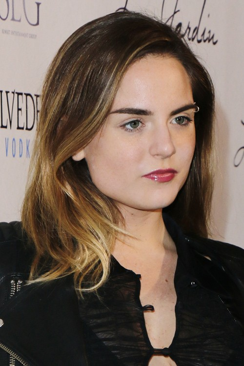 Jojo Levesque S Hairstyles Amp Hair Colors Steal Her Style