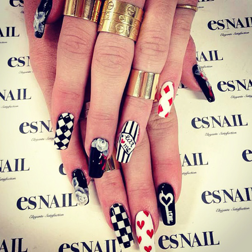 Kylie Jenner Black White Checkerboard Flowers Geometric Hearts Key Nail Art Stripes