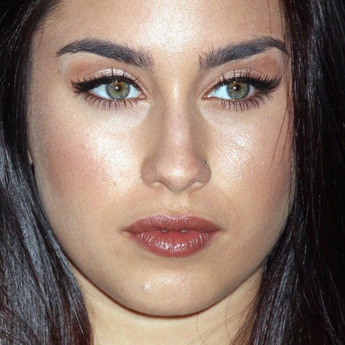 Lauren Jauregui Makeup: Black Eyeshadow, Bronze Eyeshadow ...