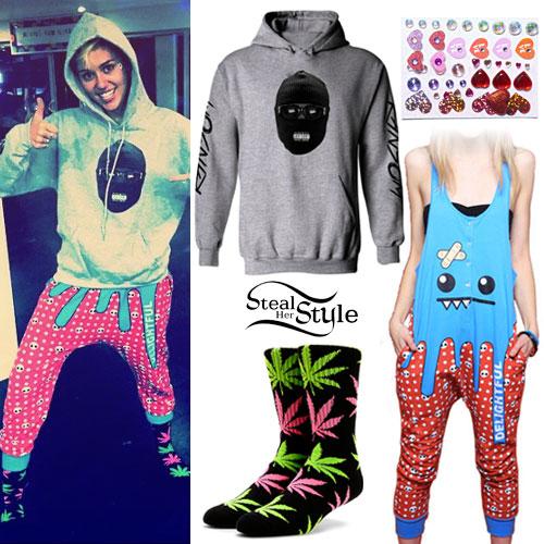 Miley Cyrus: Bandit Hoodie, Weed Socks