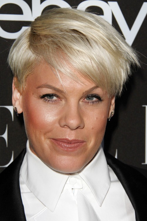 how does pink style her hair pixie cut hairstyles page 3 of 6 5922 | pink hair 10 500x750