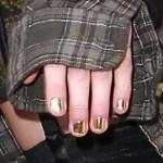 taylor-momsen-nails-4