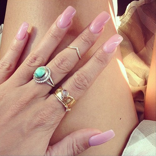 Vanessa Hudgens Pink Nails | Steal Her Style Vanessa Hudgens Nails
