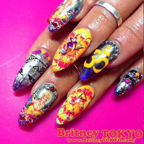 #BeautyBit: Vanessa Hudgens aka Nail Art Queen of ... Vanessa Hudgens Nails