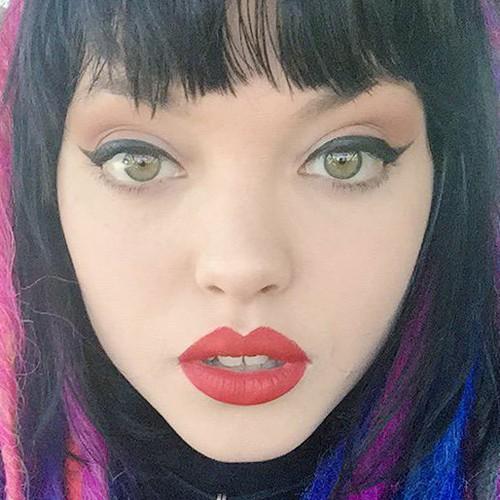 rena lovelis makeup black eyeshadow nude eyeshadow amp red