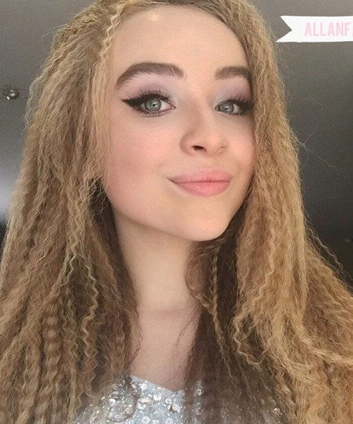 Sabrina Carpenters Hairstyles &amp Hair Colors Steal Her - 13 Year Old Black Girl Hairstyles