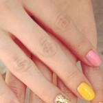 selena-gomez-nails-2