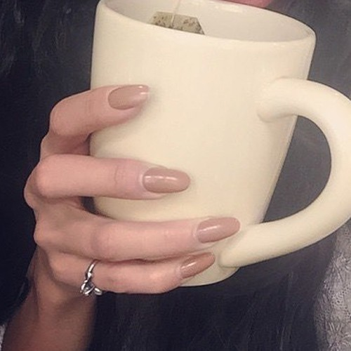 Vanessa Hudgens Brown Nails | Steal Her Style Vanessa Hudgens Nails
