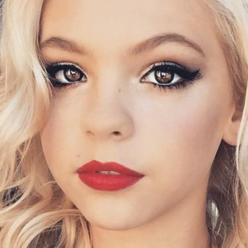 Jordyn Jones Makeup | Steal Her Style