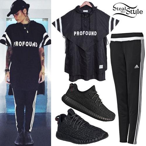 Kehlani: Profound Jersey, Black Sneakers